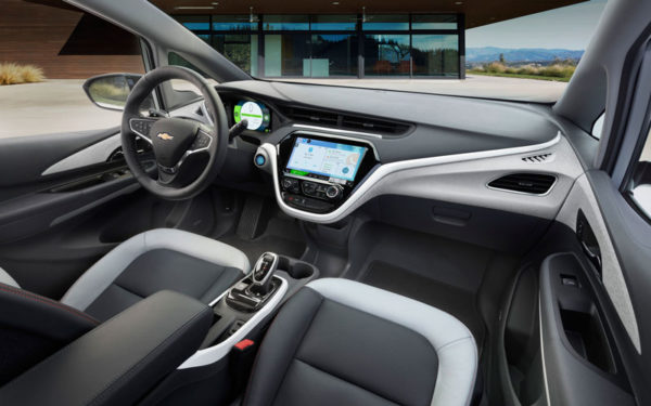 Chevrolet-bolt-2017-front-seats
