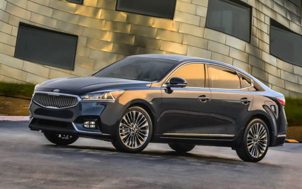 Kia-Cadenza-Technolgy-2017-side-pose