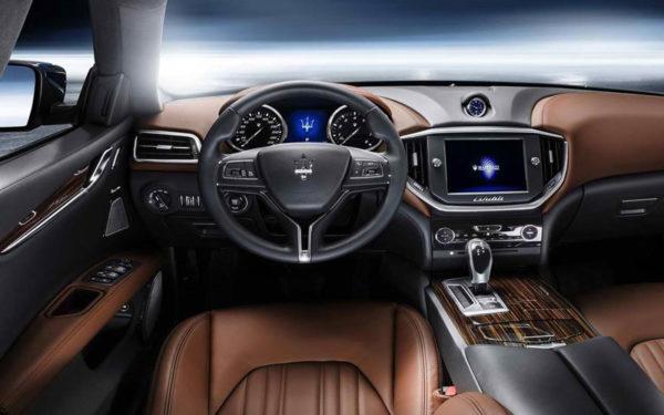 Maserati-Ghibli-S-Q4-2017-Transmission