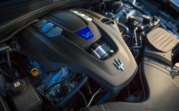 Maserati-Ghibli-S-Q4-2017-engine
