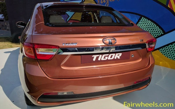 tata-tigor-2017-rear-side