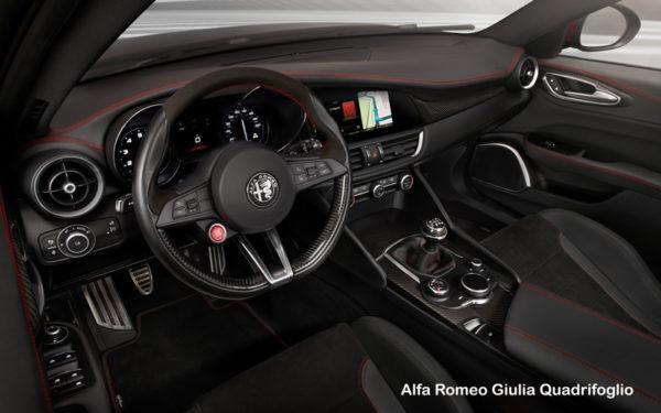 Alfa-Romeo-Giulia-Quadrifoglio-2017-front-cabin