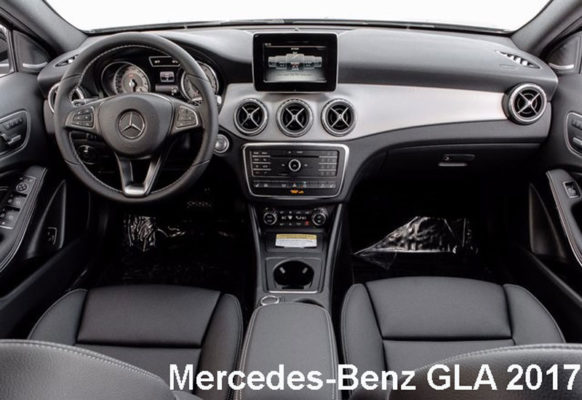 Mercedes-Benz-GLA-250-2017-front-seats