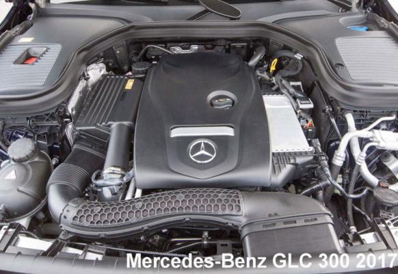 Mercedes-Benz-GLC-300-2017-engine