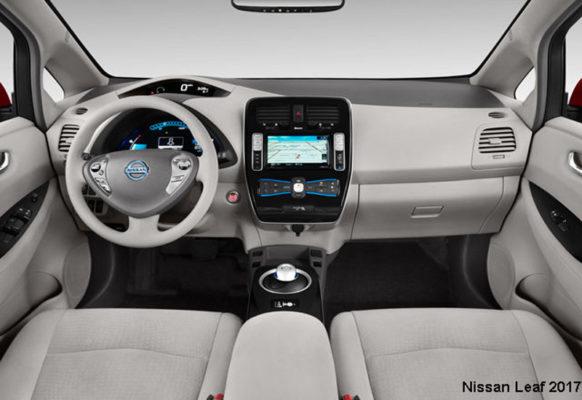 Nissan-Leaf-2017-steering-and-transmission