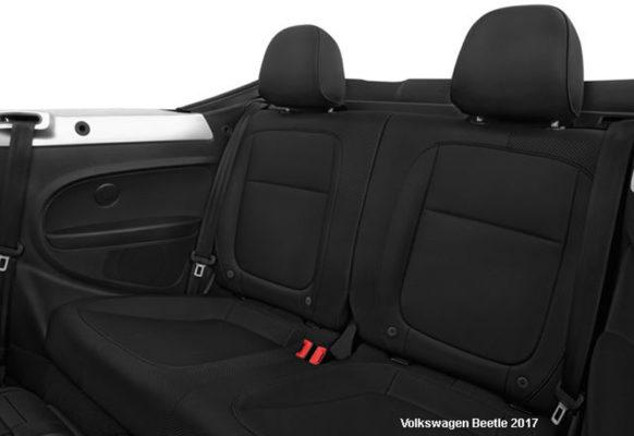 Volkswagen-Beetle-2017-back-seats