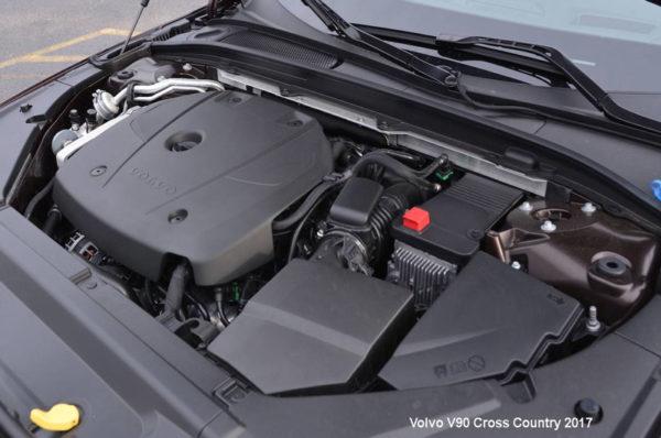Volvo-V90-Cross-Country-2017-engine