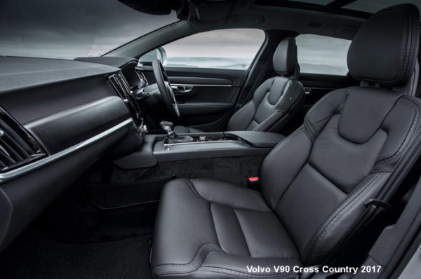 Volvo-V90-Cross-Country-2017-front-seats