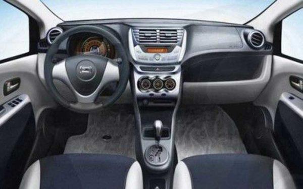Zoyte-Z-100-interior