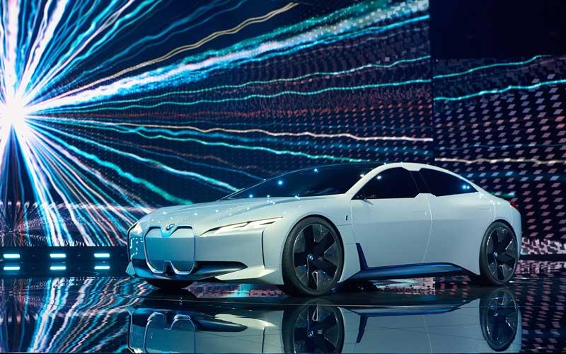 BMW-I-Vision-Dynamic-Concept-2017-feature-image--LA-Auto-Show