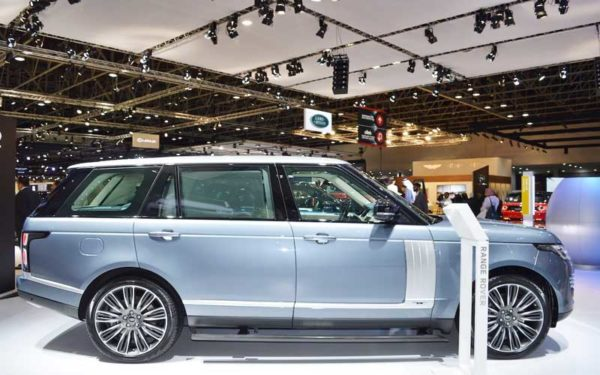 Range-Rover-2018-Facelift-Side-profile-Dubai-Auto-show-2017