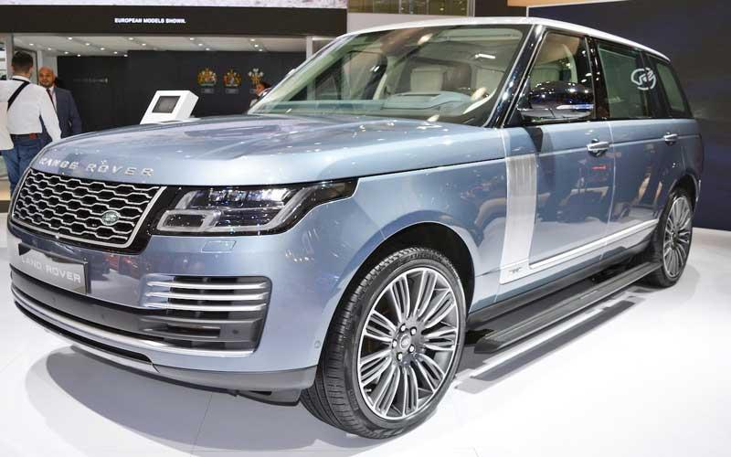 Range-Rover-2018-Facelift-feature-image-Dubai-Auto-show-2017