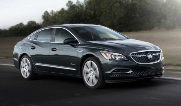 Upcoming-Buick-Lacrosse-Avenir-2018-Side-view-