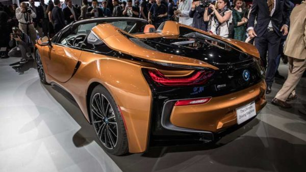 BMW-i8-Roadster-2019-Revelation-Rear-View---LA-Auto-Show
