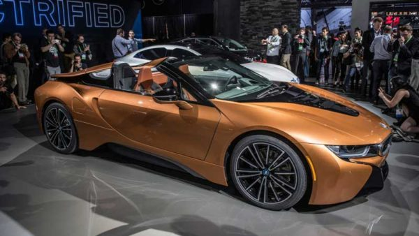 BMW-i8-Roadster-2019-Revelation-side-View---LA-Auto-Show
