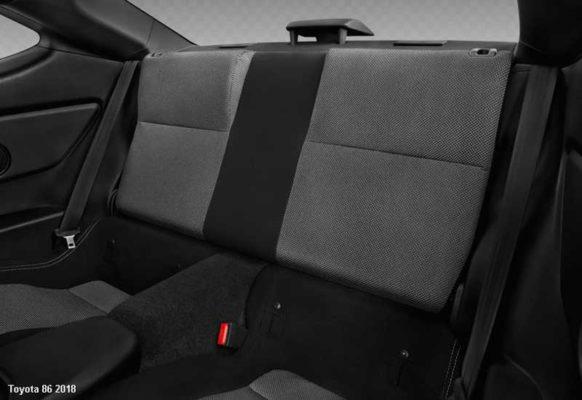 Toyota-86-2018-back-seats