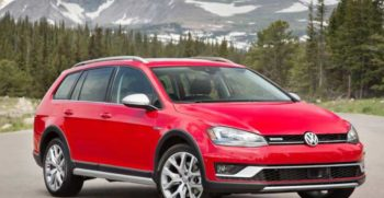 Volkswagen-Golf-Alltrack-2017-feature-image