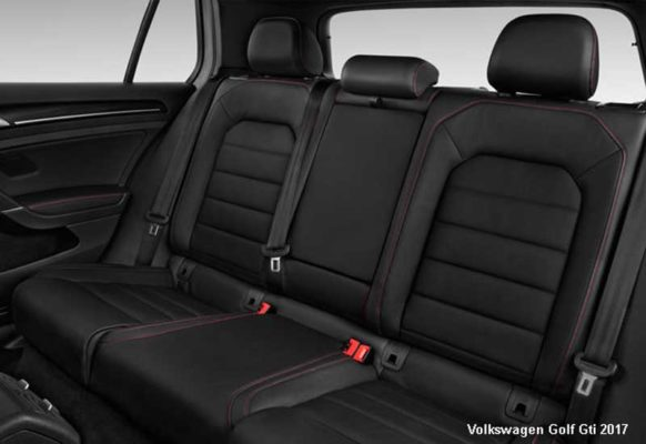 Volkswagen-Golf-Gti-2017-back-seats
