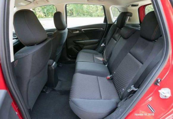 Honda-Fit-2018-Back-seats