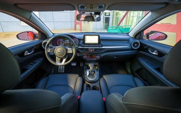 Kia-Forte-2019-full-interior---Detroit-auto-show-2018
