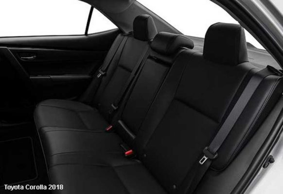 Toyota-Corolla-2018-back-seats
