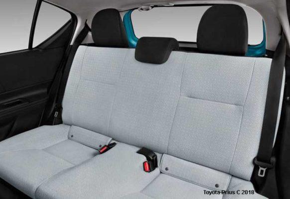 Toyota-Prius-C-2018-back-seats