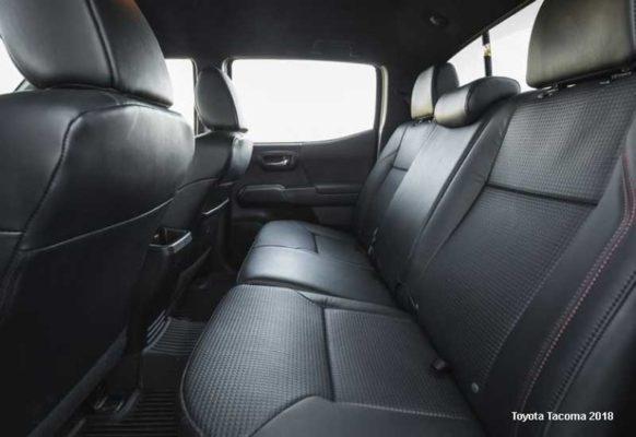 Toyota-Tacoma-2018-back-seats