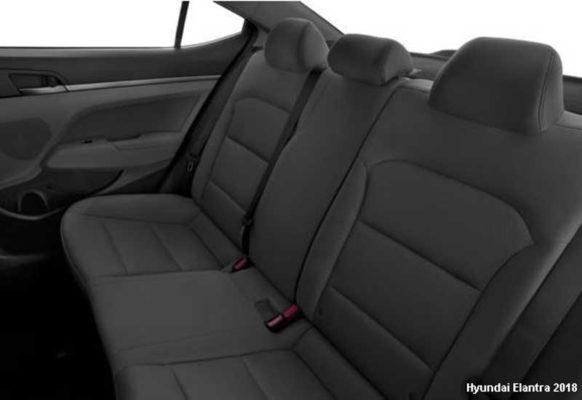 Hyundai-Elantra-2018-back-seats