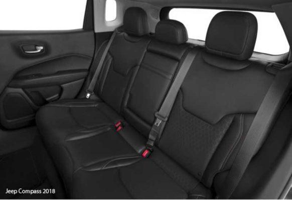 Jeep-Compass-2018-Back-seats