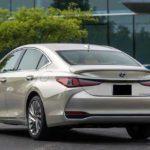Lexus-ES-2019-back-image