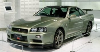 Nissan GTR Best Engine car of 90s