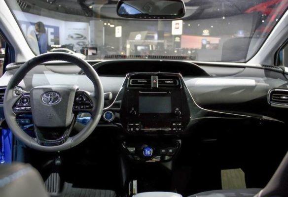 toyota prius 2019 Interior Image