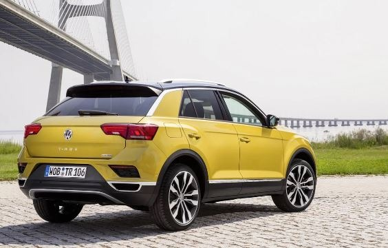 Volkswagen T-Roc Side View