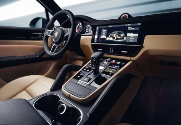 2020 Porsche Macan Interior front cabin