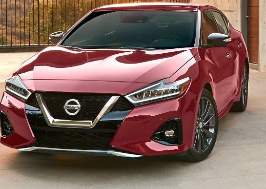 Nissan Altima 2019 front view