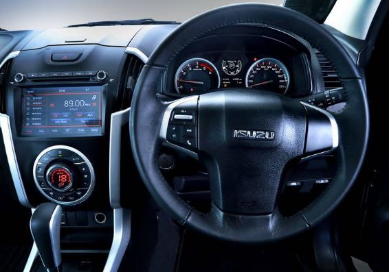 2020 isuzu D-Max steering wheel & controls