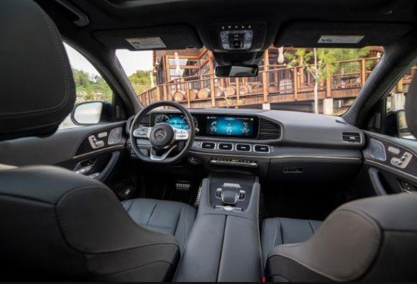 2020 Mercedes Benz GLS interior front cabin