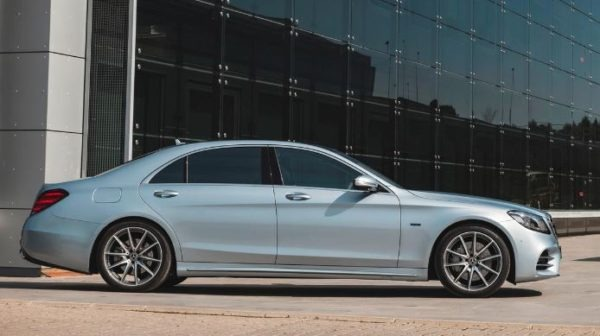 2020 Mercedes Benz S Class side view