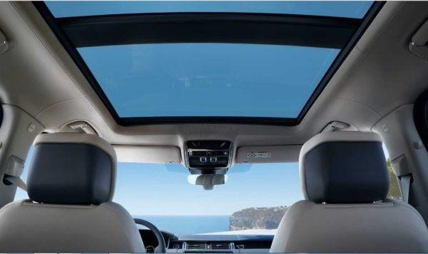 2020 Range Rover vogue panoramic view