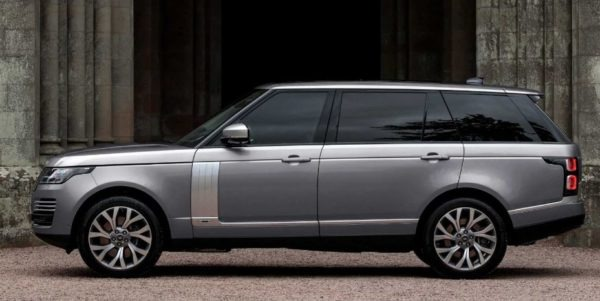 2020 Range Rover vogue side view