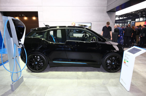 2020 BMW i3 Side View