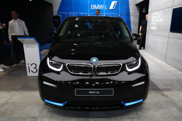 2020 BMW i3 front view