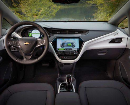2020-Chevrolet-Bolt_EV steering & infotainment screen view