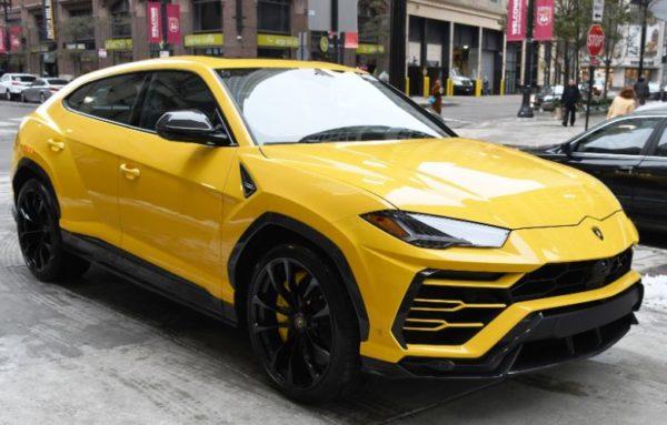 2020 Lamborghini Urus full view