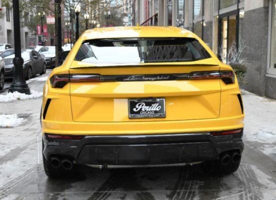 2020 Lamborghini Urus rear view