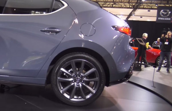 2020-Mazda-3-Hatchback-wheels