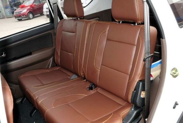 2020 Faw Sirius S80 rear seats
