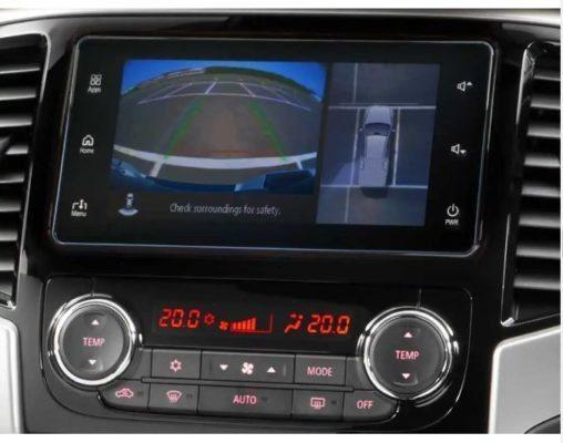 2020 Mitsubishi L200 infotainment screen & navigation
