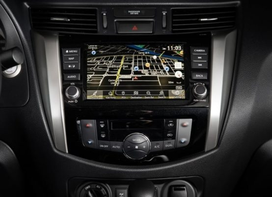 2020 Nissan Navara entertainment screen