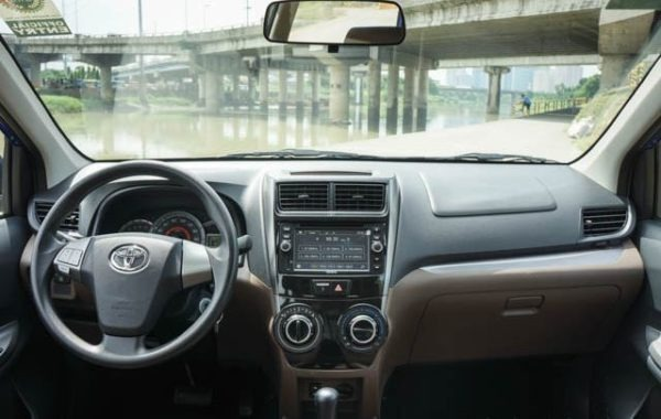 2015 Toyota Avanza interior view